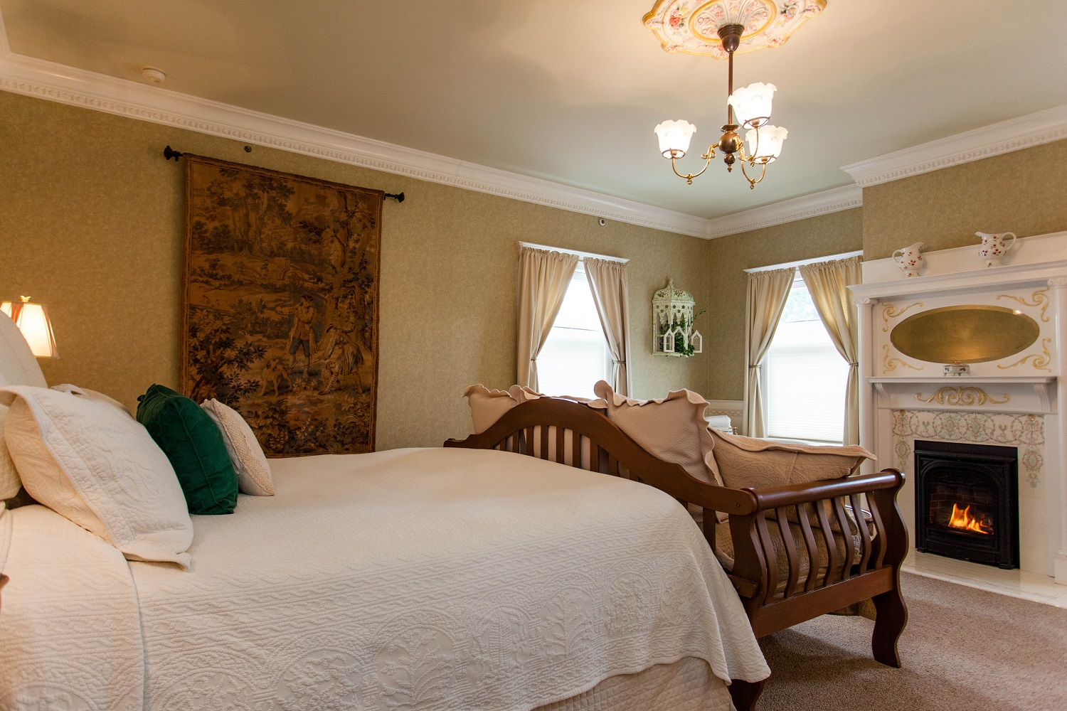 Stay in the Rutherford Room at Churchill Manor
